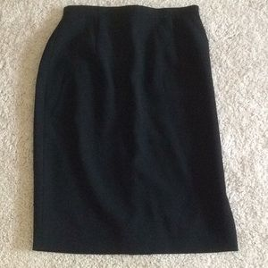 ANN TAYLOR BLACK, LINED PENCIL SKIRT SIZE 2